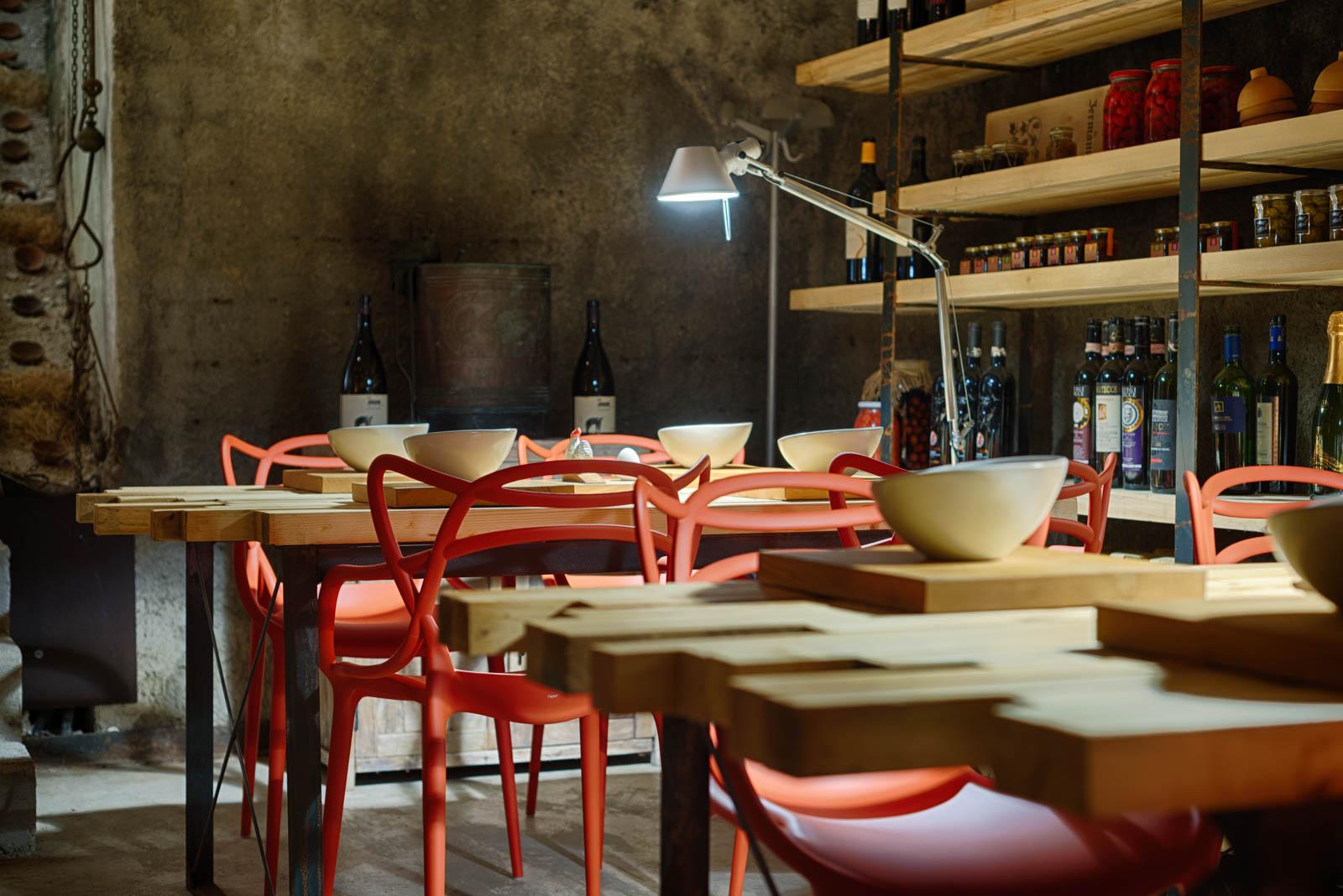 Progettazione arredo Allestimento interni Architetto Salerno Arredamento cantina locale